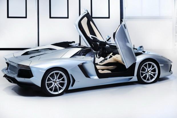 Lamborghini-Aventador-LP-700-4-Roadster-10[2]