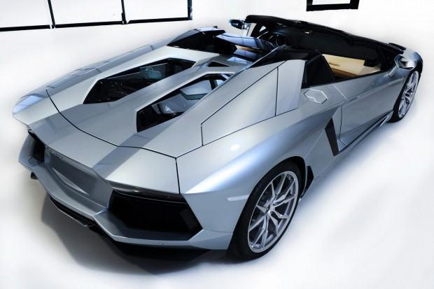 Lamborghini-Aventador-LP-700-4-Roadster-12[2]