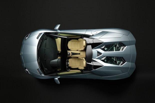 Lamborghini-Aventador-LP-700-4-Roadster-26[3]