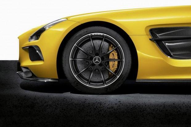 Mercedes-SLS-AMG-Black-Series-6[2]
