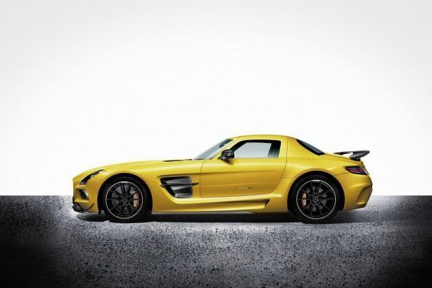 Mercedes-SLS-AMG-Black-Series-7[2]