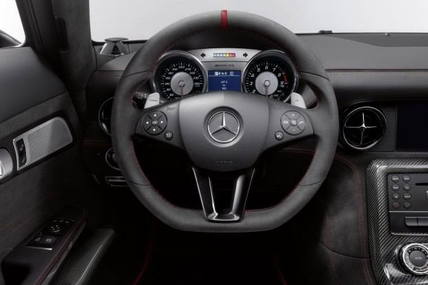 Mercedes-SLS-AMG-Black-Series-9[2]