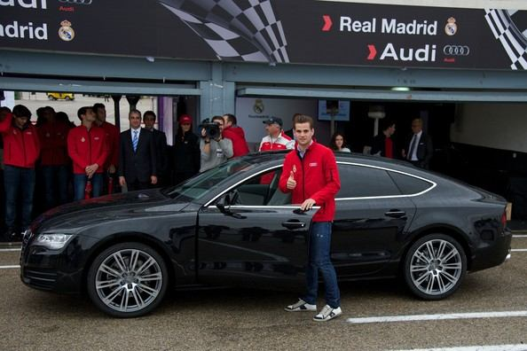 Nacho+Real+Madrid+Players+Receive+New+Audi+knNCGf1h_2gl