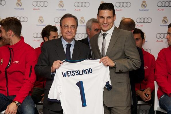 Real+Madrid+Players+Receive+New+Audi+Cars+hP435_OArb4l