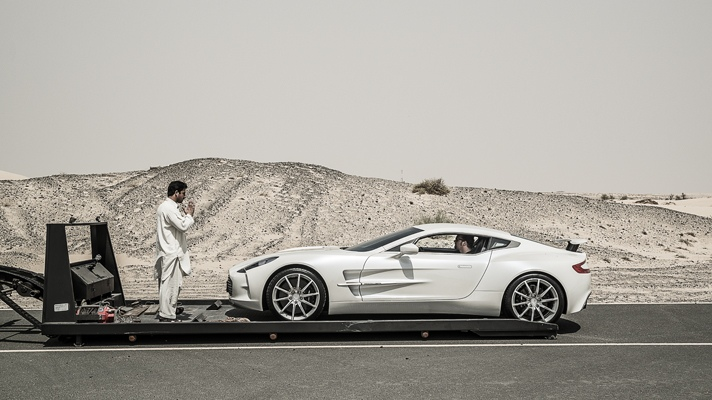 top-gear-drives-the-aston-martin-one-77-1