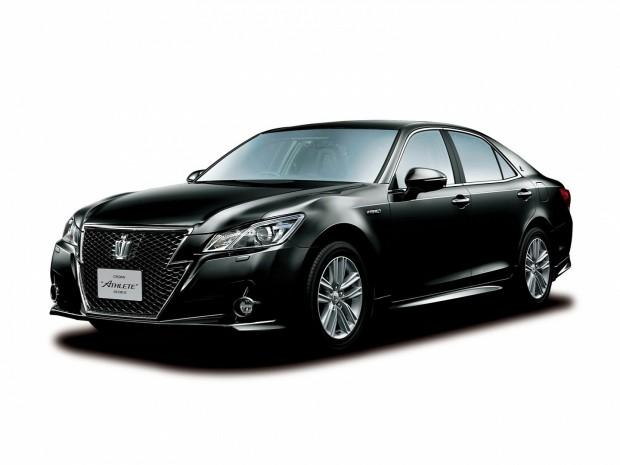 2013-toyota-crown-royal-and-athlete-revealed-photo-gallery-1080p-1