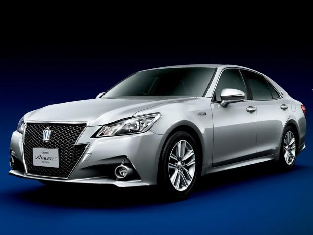2013-toyota-crown-royal-and-athlete-revealed-photo-gallery_5