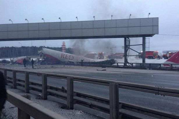 Airplane+crash+in+Moscow