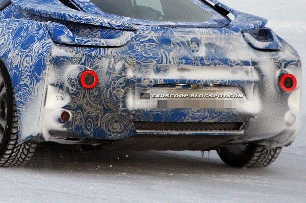 BMW-i8-Hybrid-Coupe-28[3]