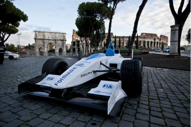 formula-e-race-car-on-the-streets-of-rome_100414110_l
