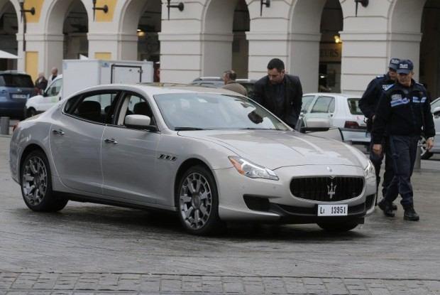 mobil-mewah-model-terbaru-maserati-quattroporte-yang-_121204190713-146