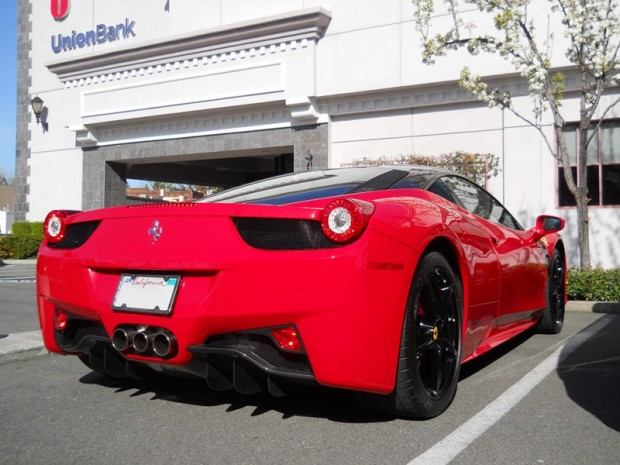 red-ferrari-458-italia-with-black-roof-and-black-wheels-4-1-12_1