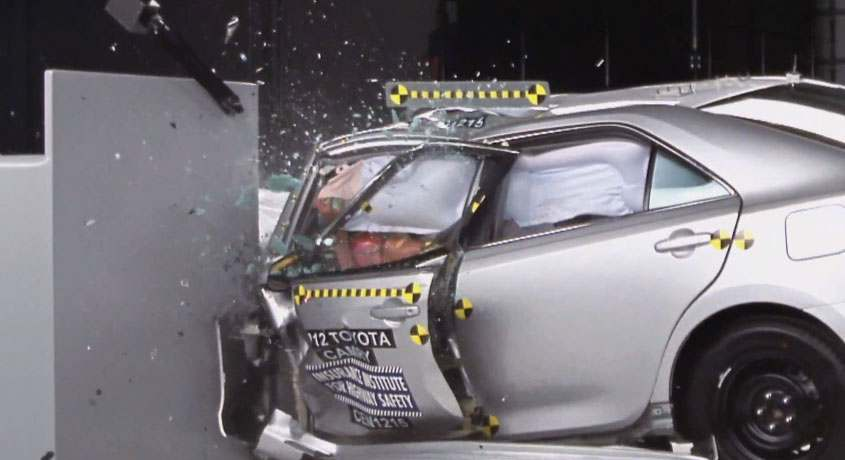 toyota-camry-crash-test