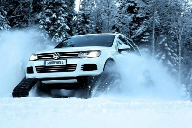 vw-snowared-what-you-call-a-touareg-with-tracks-medium_1