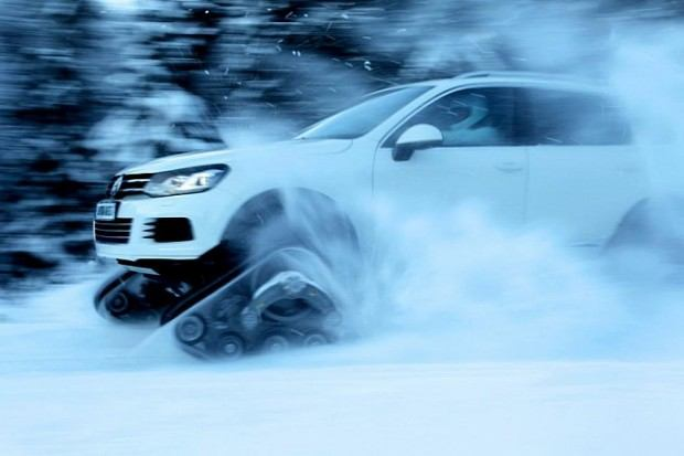 vw-snowared-what-you-call-a-touareg-with-tracks-medium_3