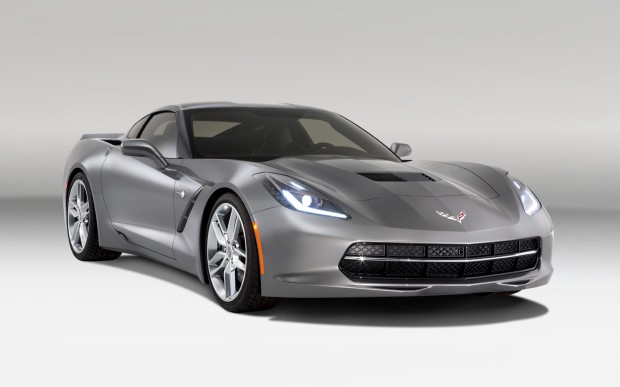 2014-Chevrolet-corvette-Stingray-front-three-quarters
