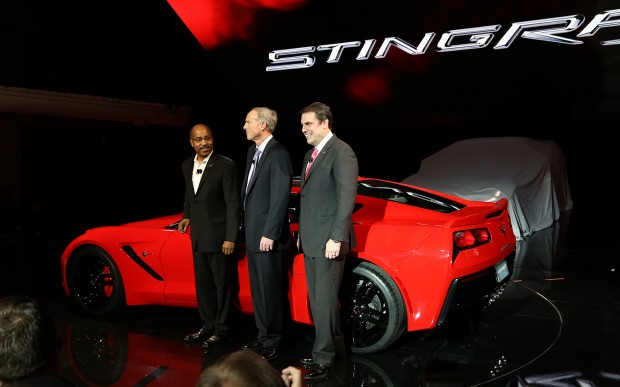 2014-chevrolet-corvette-live-reveal-GM-execs-with-car