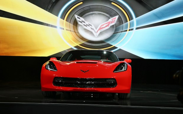 2014-chevrolet-corvette-live-reveal-front-view