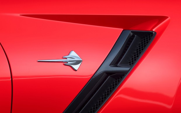 2014-chevrolet-corvette-stingray-in-red-stingray-badge