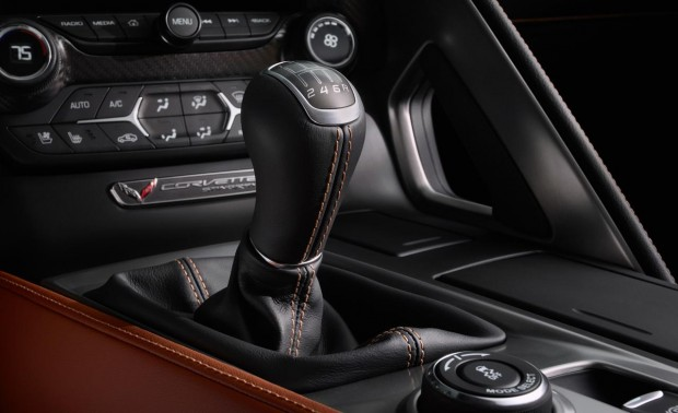 2014-chevrolet-corvette-stingray-shifter-photo-496771-s-1280x782