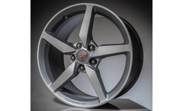 2014-chevrolet-corvette-stingray-wheel-photo-496777-s-787x481