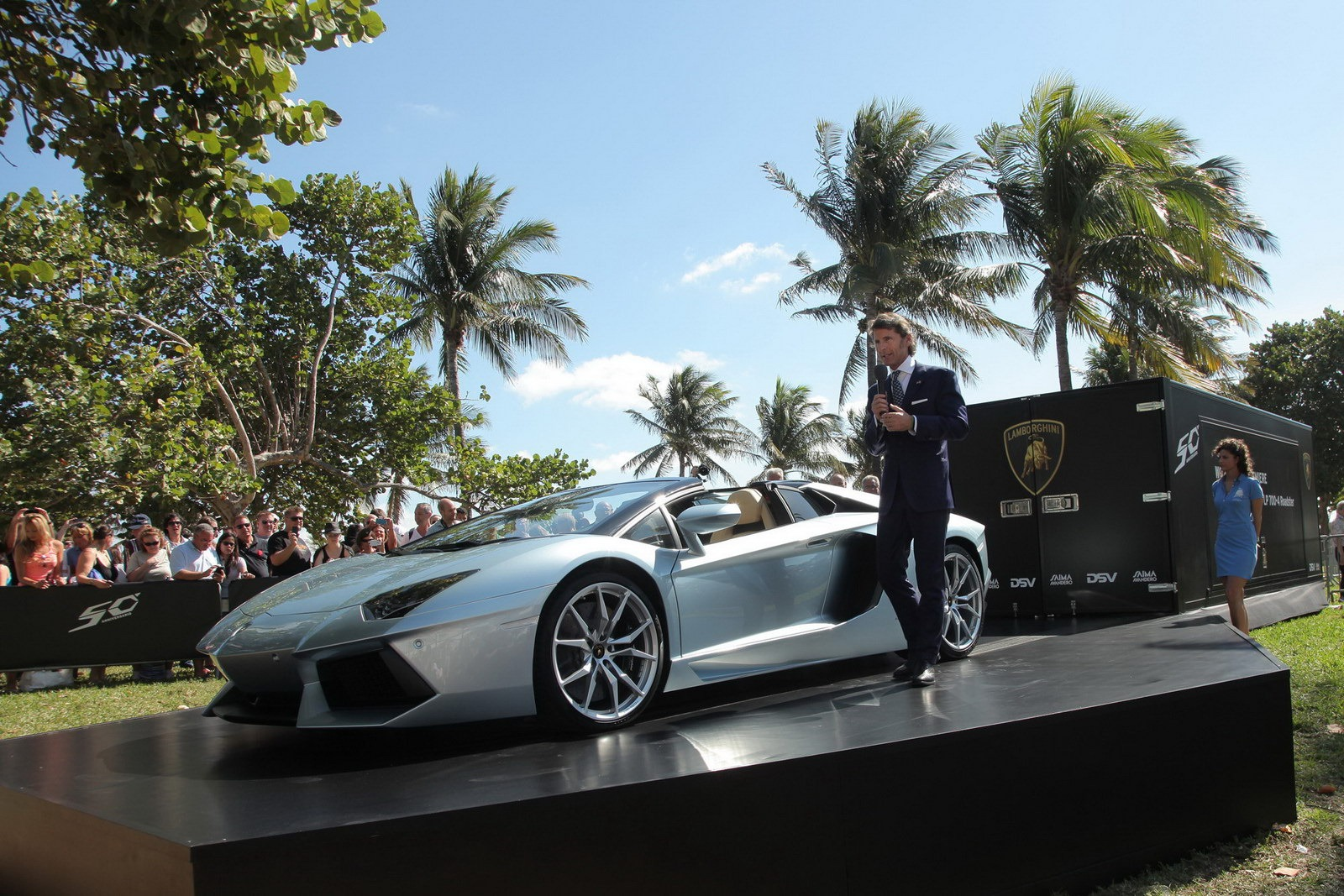 Lamborghini-Aventador-Roadster-Miami-Launch-4[4]