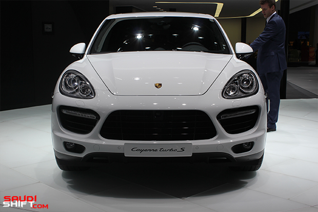 Porsche Cayenne (1)