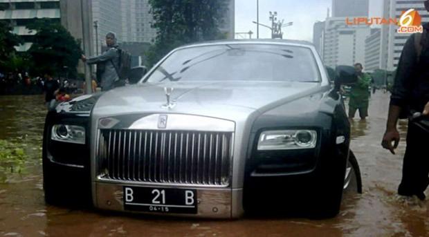Rolls-Royce-Ghost-8_thumb[2]