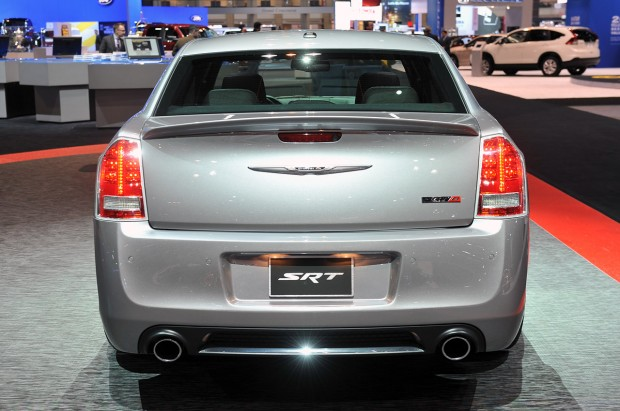 07-2013-chrysler-300-srt8-core-chicago