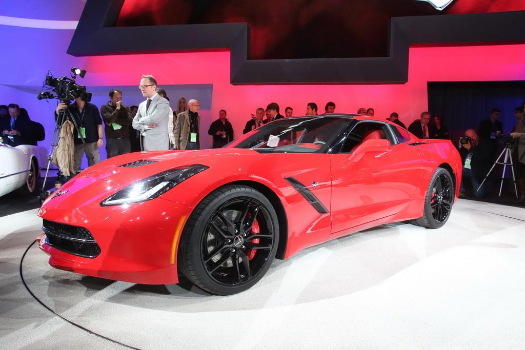 2014 Chevrolet Corvette Stingray in Detroit 2013 (9)