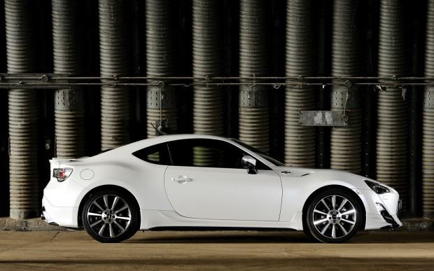 Toyota-GT86-TRD-profile