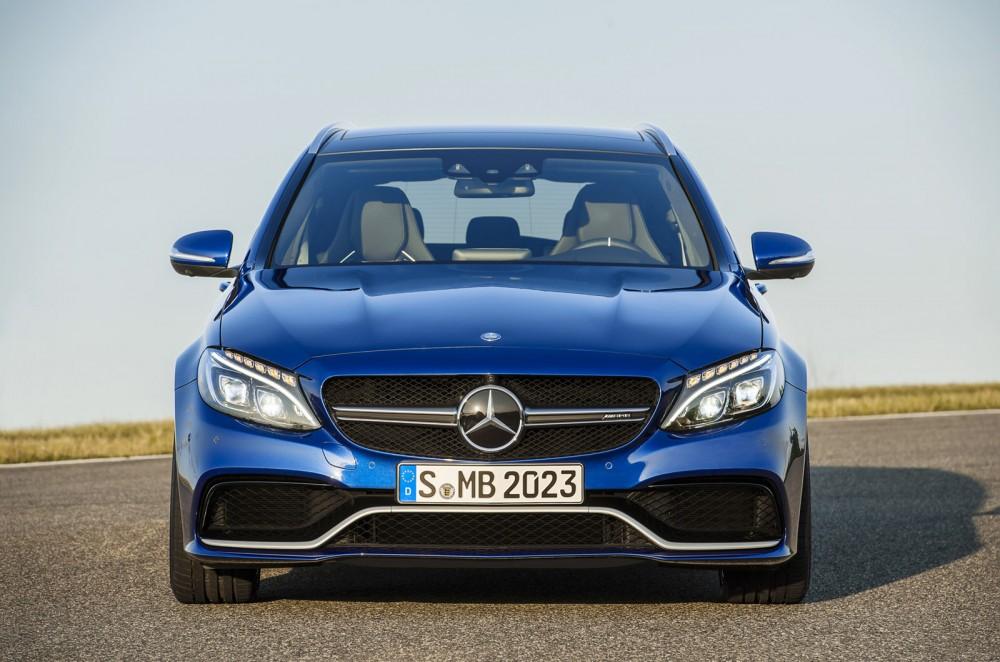 2015-Mercedes-C63-AMG-11