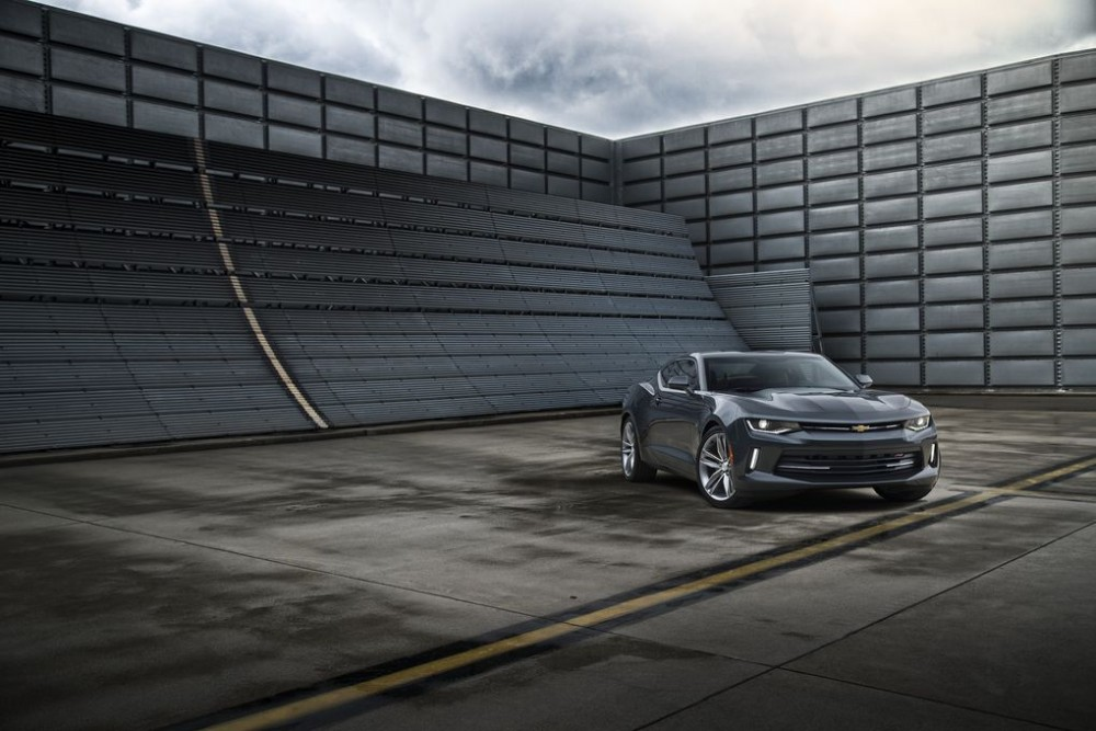 2016-Chevrolet-Camaro-012.0