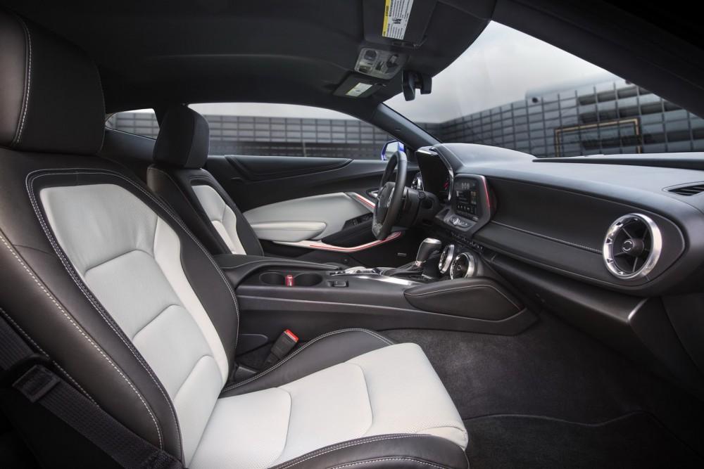 2016-Chevrolet-Camaro-26