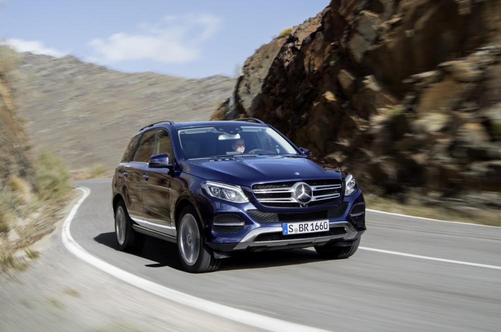 2016-Mercedes-Benz-GLE-2