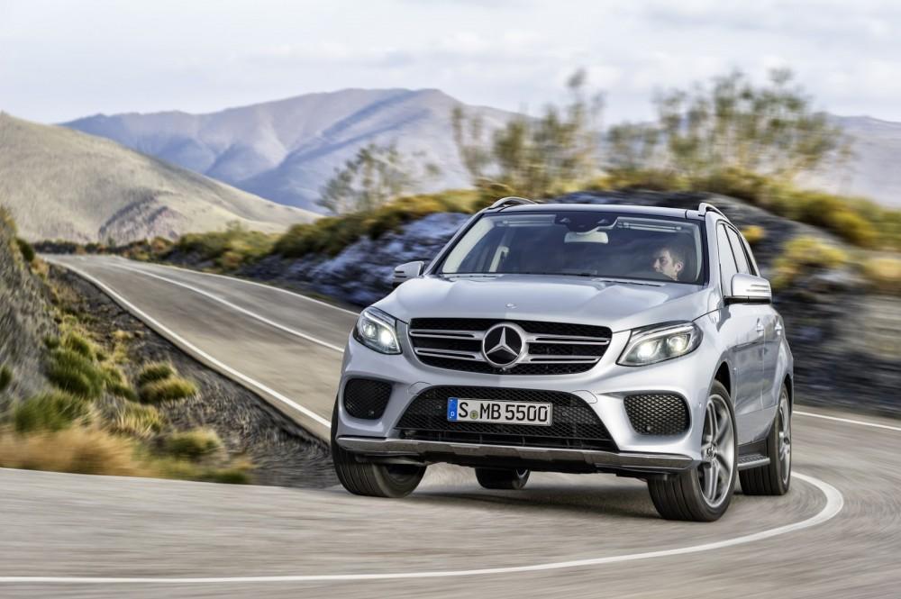 2016-Mercedes-Benz-GLE-23