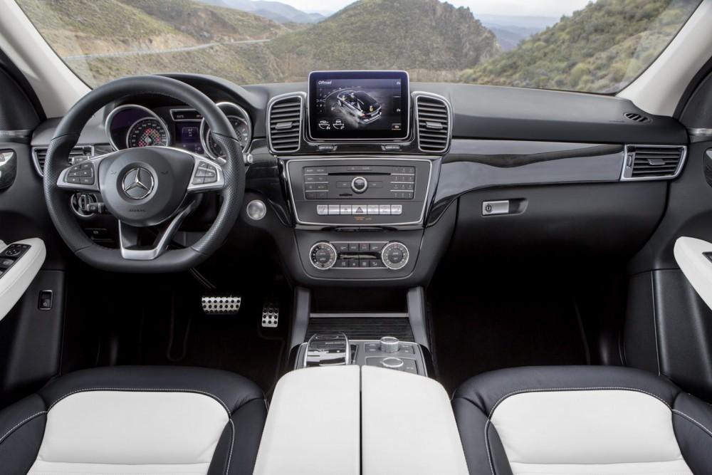 2016-Mercedes-Benz-GLE-25