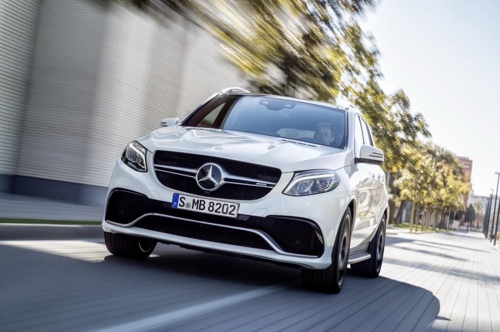2016-Mercedes-Benz-GLE-32