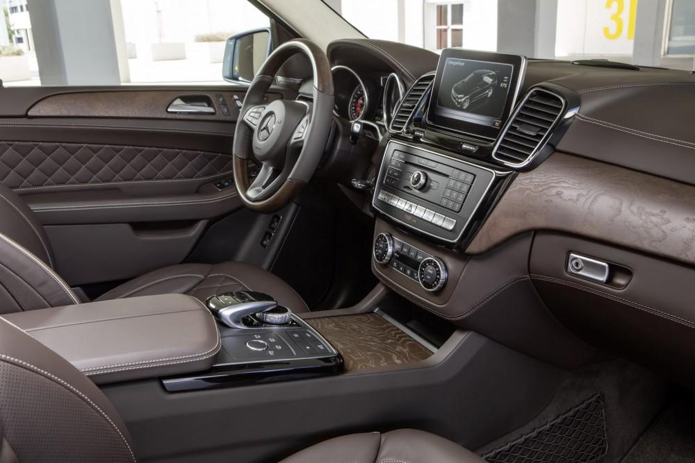 2016-Mercedes-Benz-GLE-36