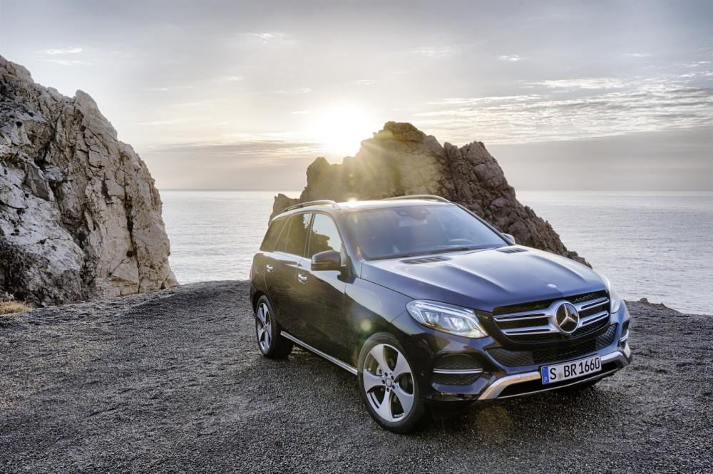 2016-Mercedes-Benz-GLE-4