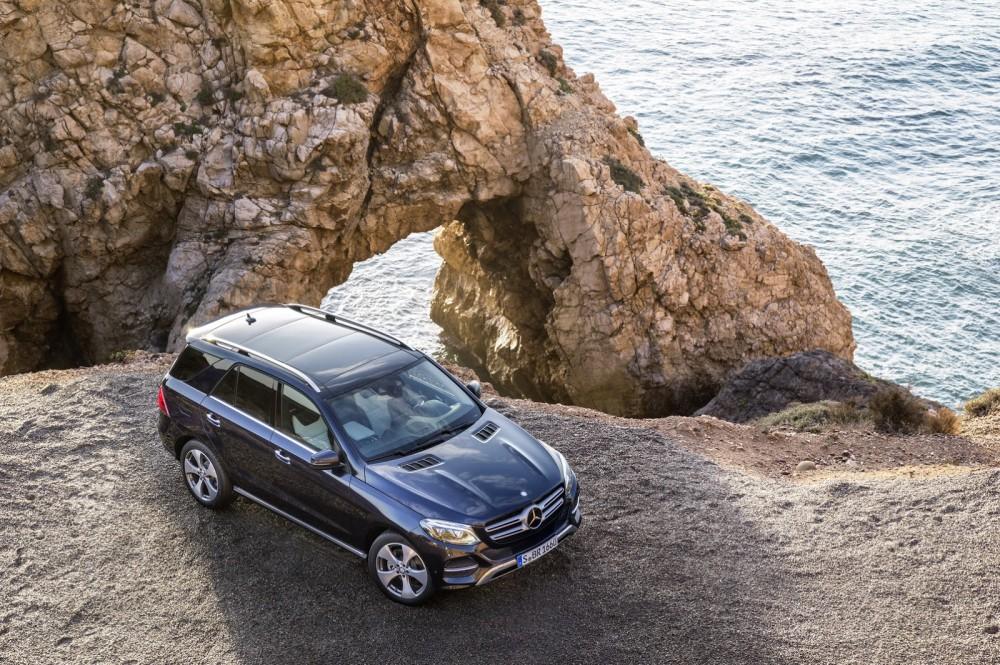 2016-Mercedes-Benz-GLE-5