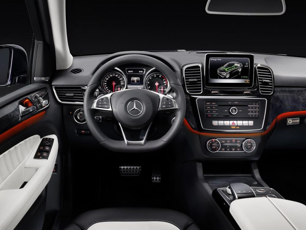 2016-Mercedes-Benz-GLE-51