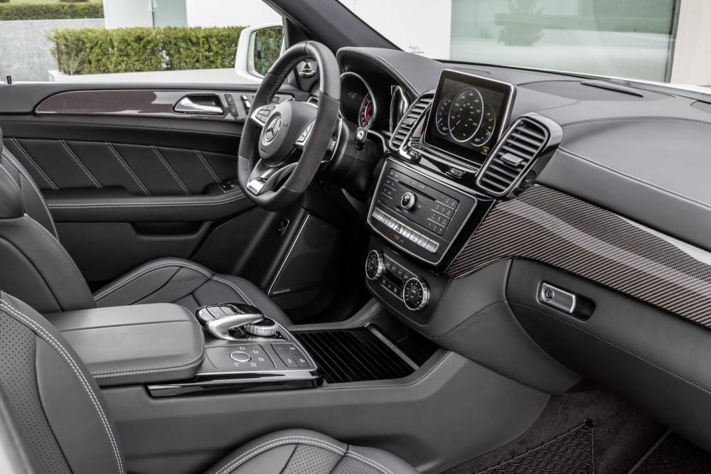 2016-Mercedes-Benz-GLE-53