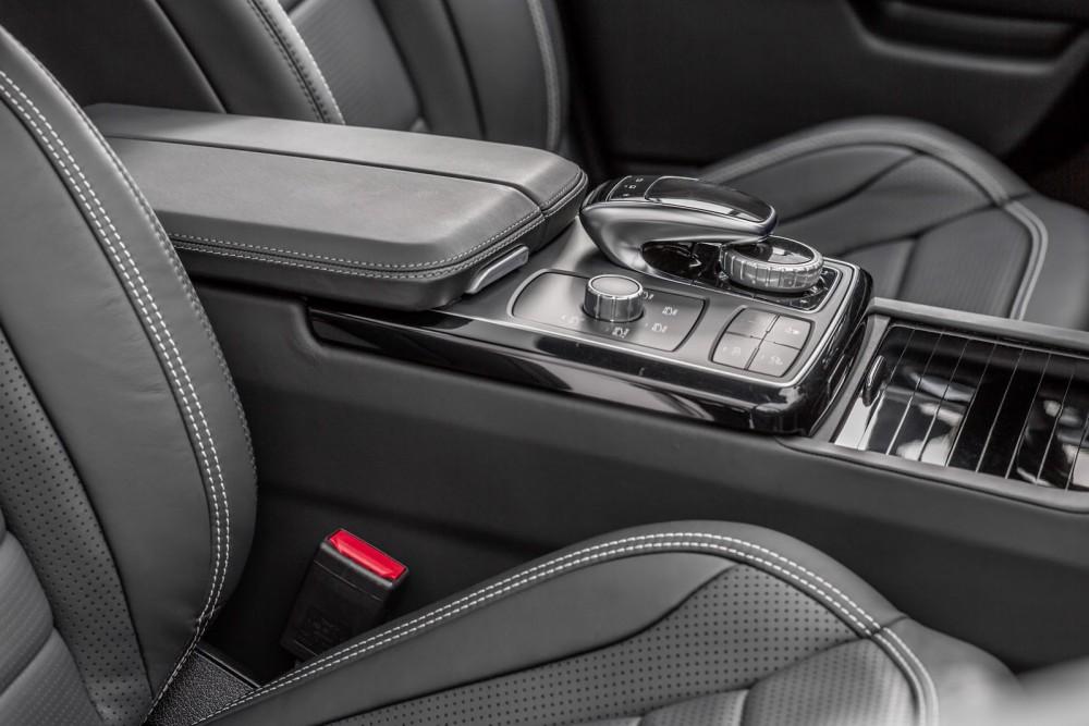 2016-Mercedes-Benz-GLE-56