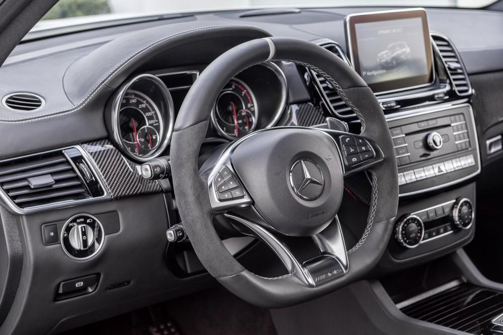 2016-Mercedes-Benz-GLE-57
