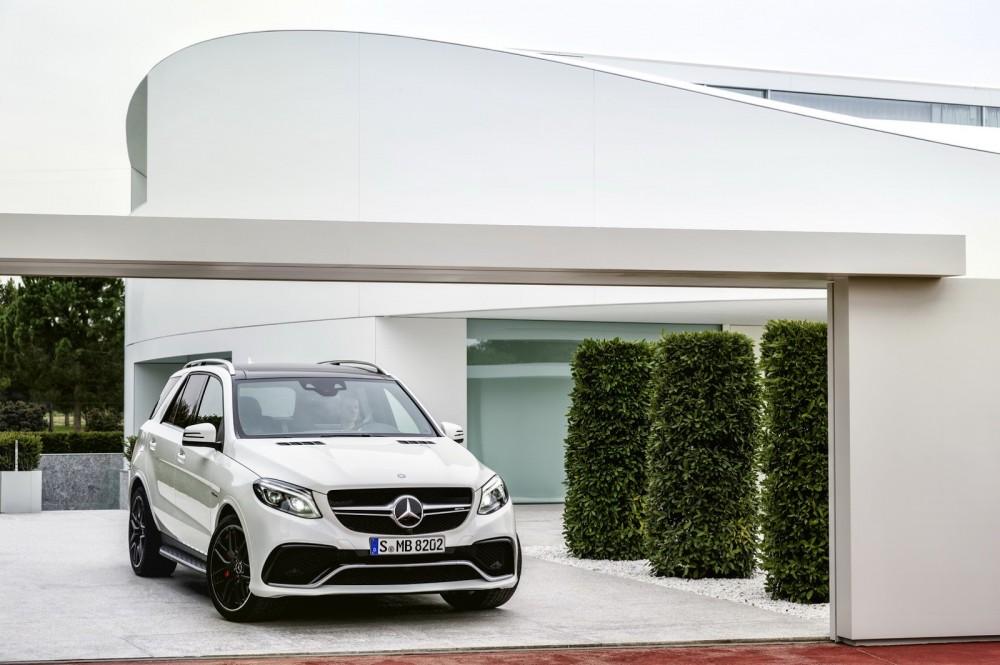 2016-Mercedes-Benz-GLE-58