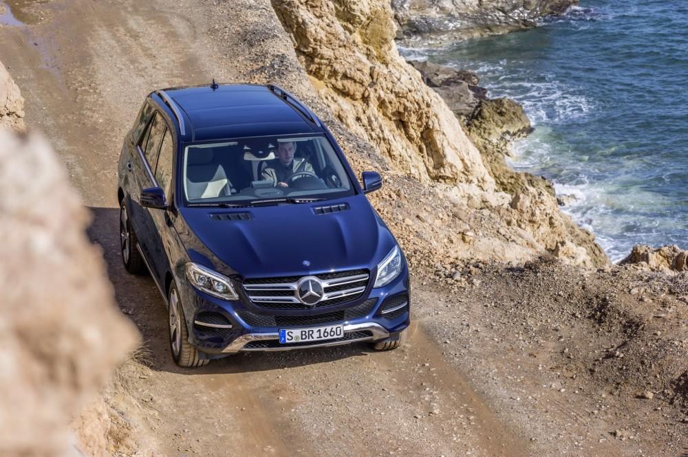 2016-Mercedes-Benz-GLE-6