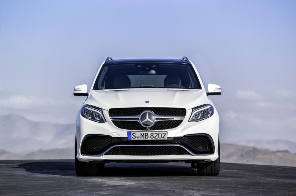 2016-Mercedes-Benz-GLE-62 (1)