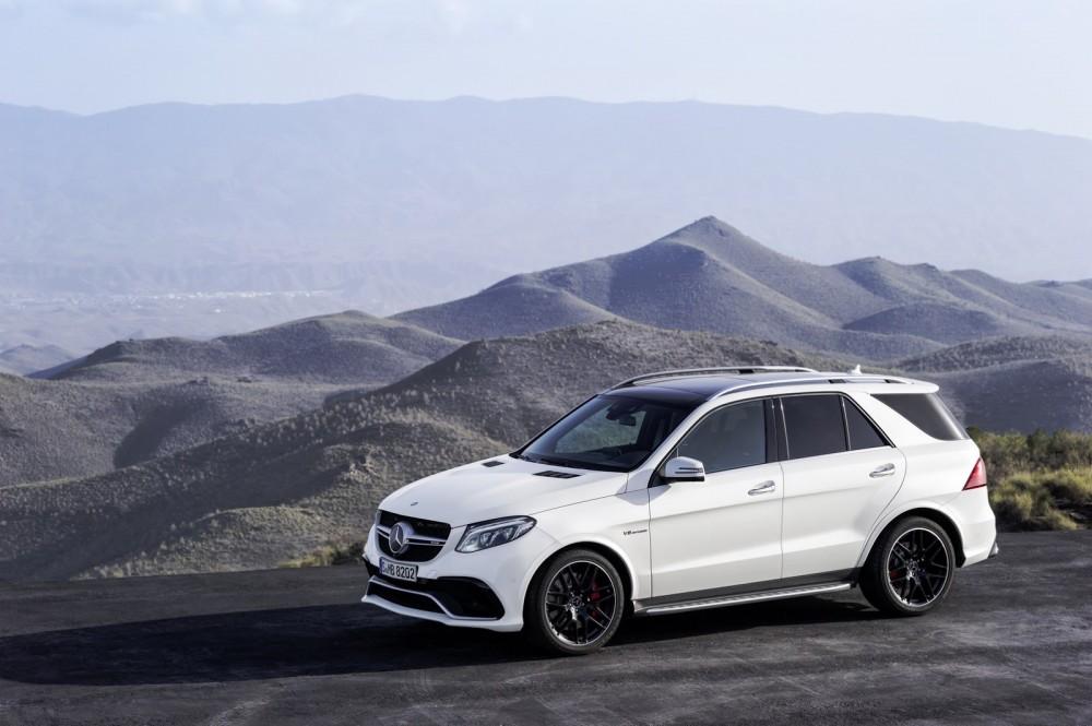 2016-Mercedes-Benz-GLE-65