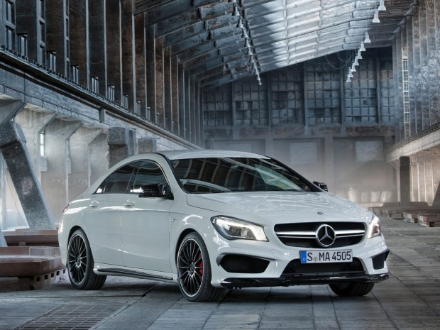 New-Mercedes-CLA-45-AMG-3[2]